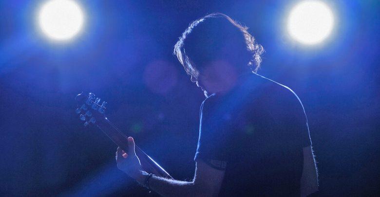 Photo of Gitarre spielen live – 5 Tipps gegen Lampenfieber