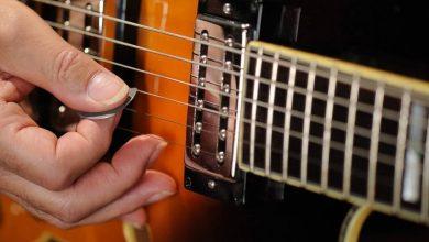 Photo of Gitarre spielen mit Fingern oder mit Plektrum?