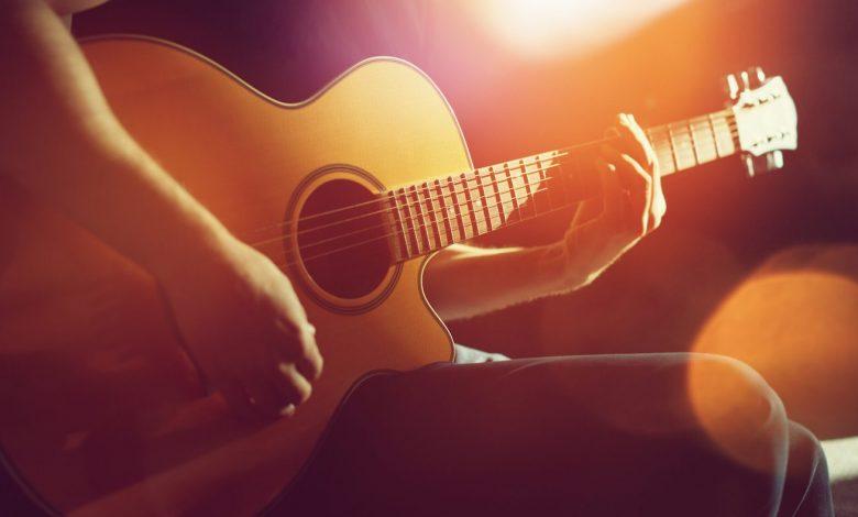 Photo of Die 20 besten Akustik Gitarren Intros / Songs aller Zeiten